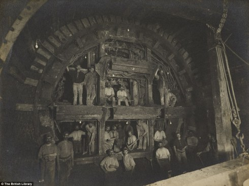 The construction of the Central line in 1898